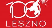 100 LESZNO logo - wersja podstawowa - czerwone tlo.cdr